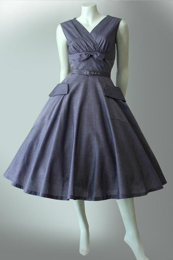 Early era vintage 1950s cotton dress