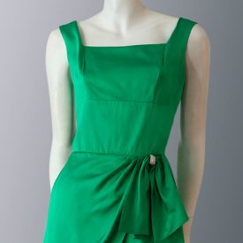 1950s Emerald green satin dress front close up