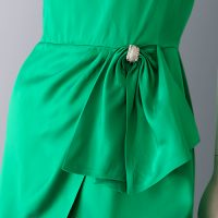 1950s Emerald green satin dress details