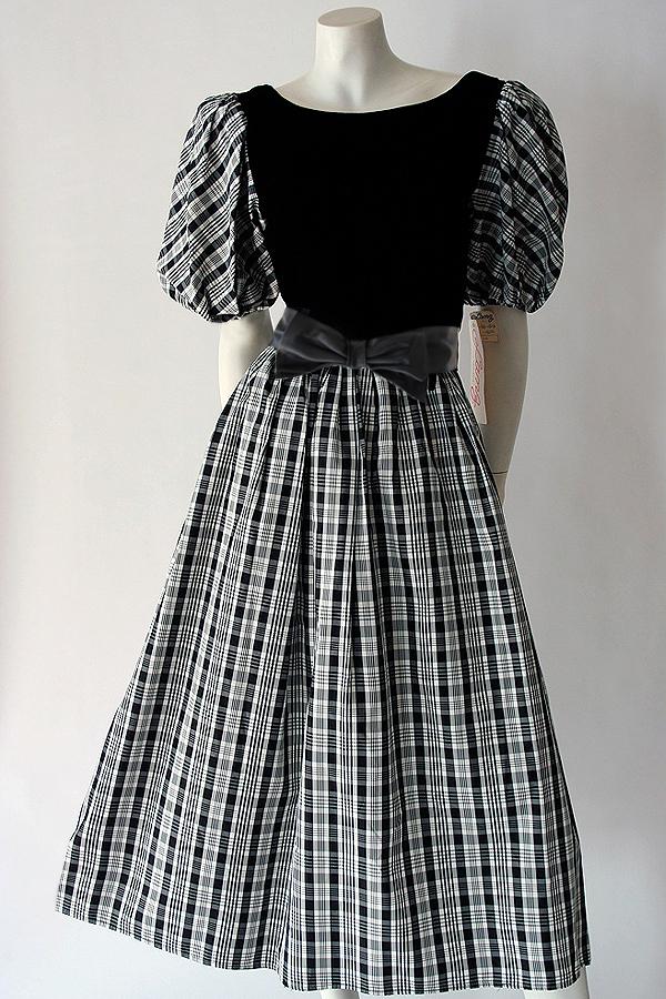 80s Lanz bw dress full length 600×900