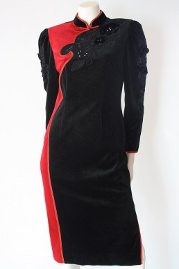 1980s authentic Vintage velvet cheongsam dress